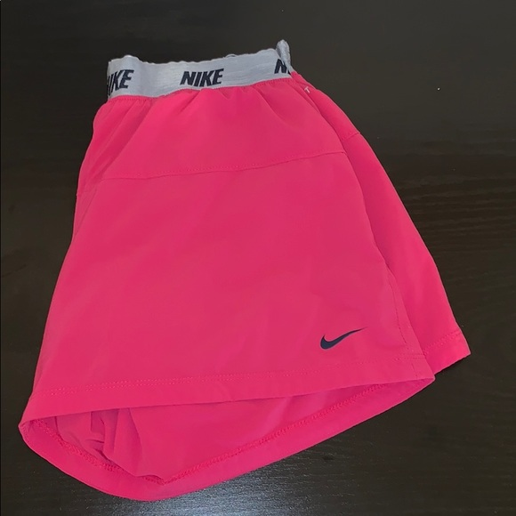 Girls pink size XL Nike shorts